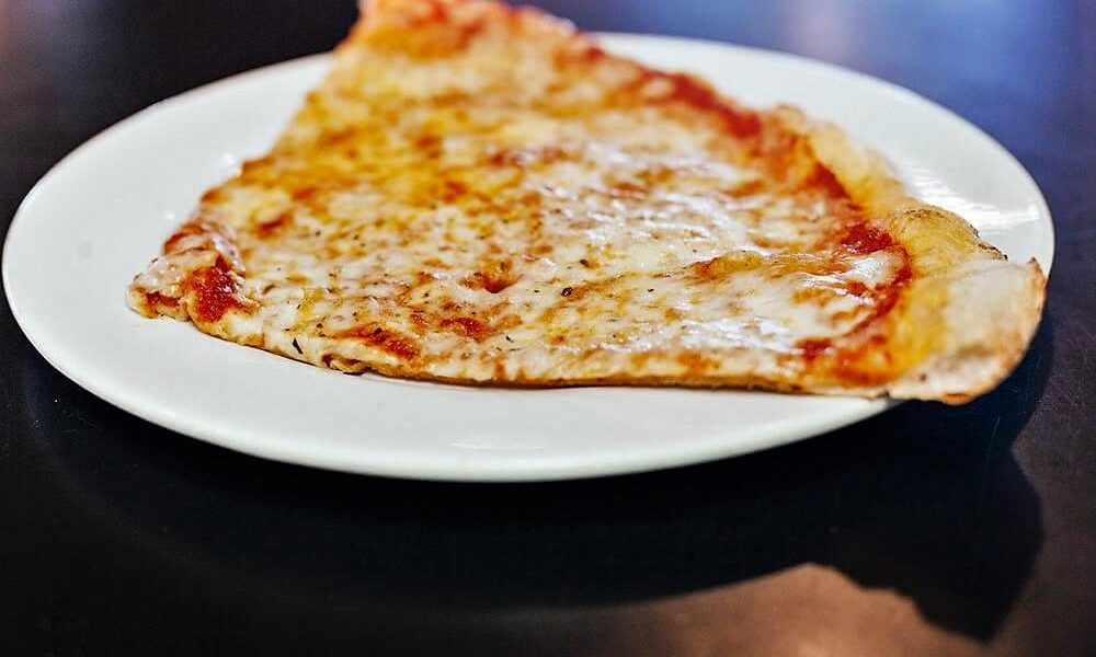2 slices and soda lunch special